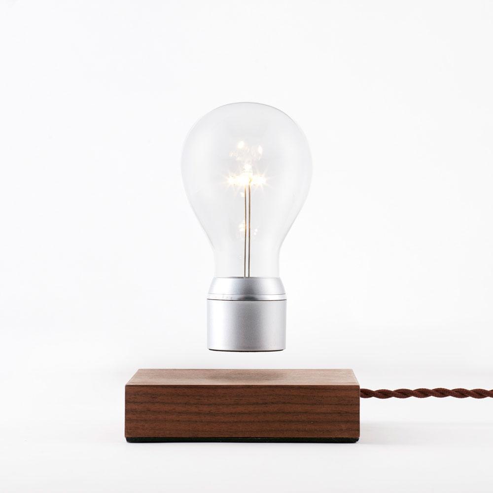 flyte levitated licht led inovation holz licht. Black Bedroom Furniture Sets. Home Design Ideas