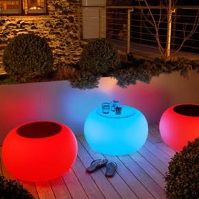 Bubble LED ACCU für Garten und Terrasse mit orange Sitzkissen